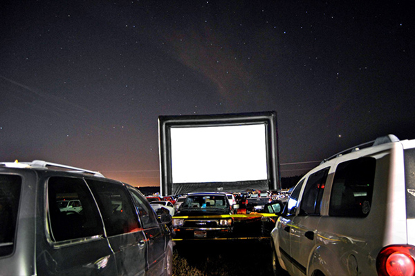Ultimate Outdoor Movies Outdoor Movie Screen Rental